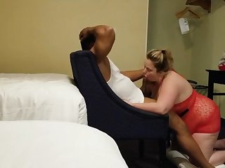 russian milf blows gym trainer big black cock in her mouth