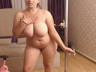 leader and a little beamy milf on high webcam
